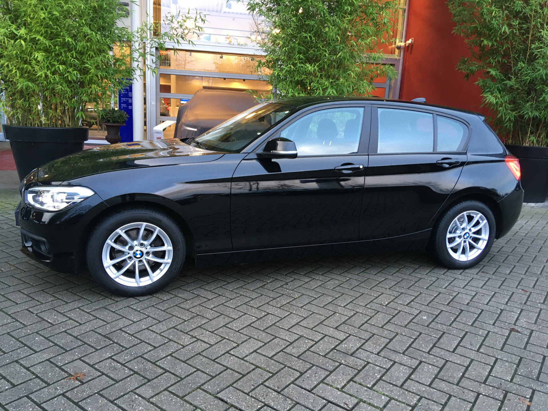 BMW 1 Serie 118i Corporate Lease Executive Steptronic automaat