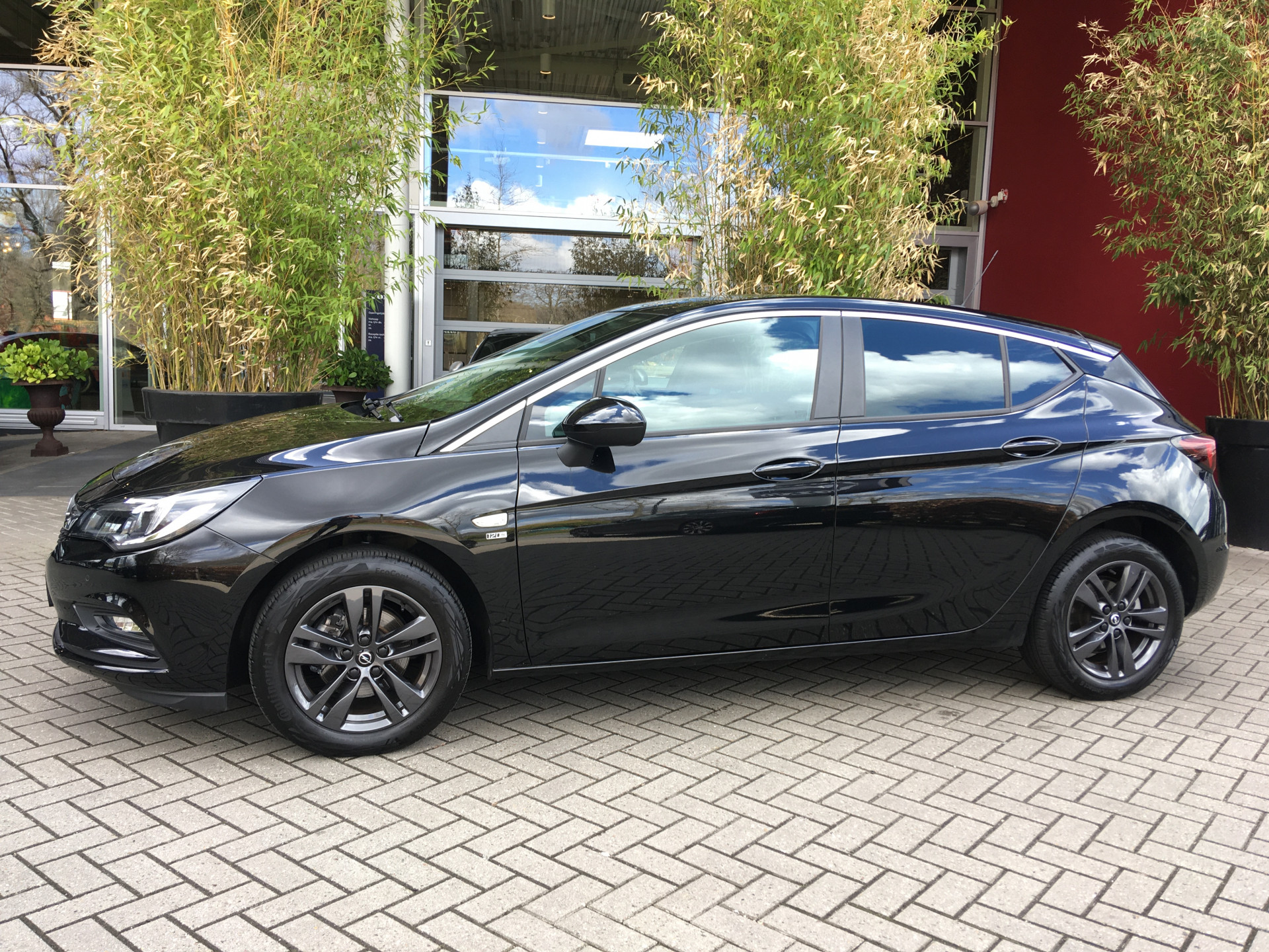 Opel Astra 1.0 Turbo 120 Jaar Edition